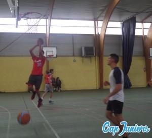 Séance de tirs au panier lors d'un stage de basket capjuniors.com