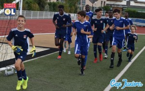 Discipline et rigueur dans les entraînements des stages de foot à l'Olympique Lyonnais